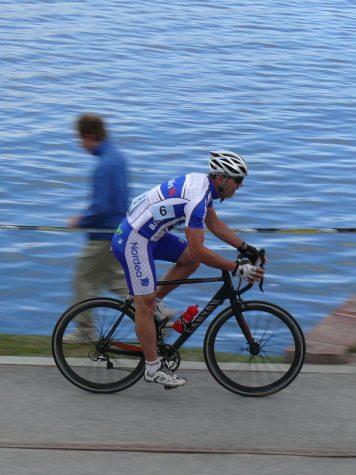 Bålstacyklist på lumarakan