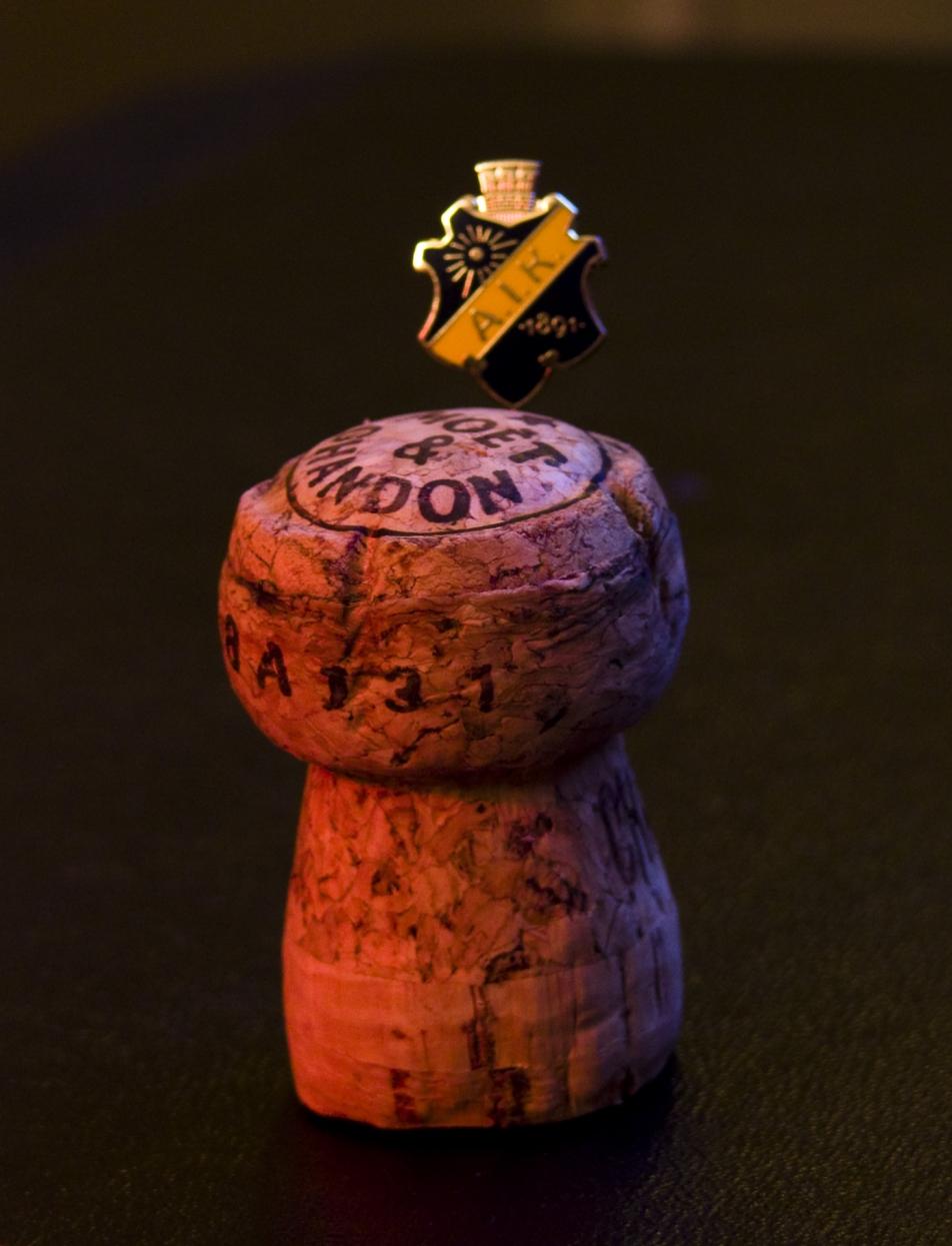 AIK medlemsnål i champagnekork