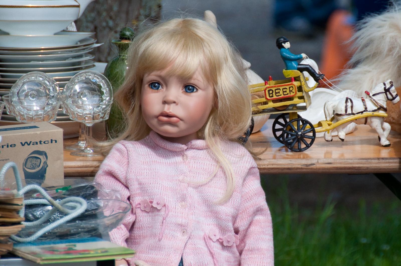 läskig docka creepy doll uncanny valley