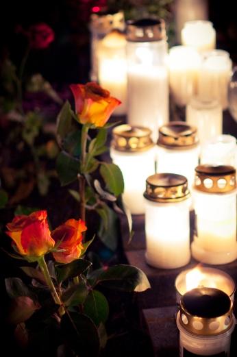 Rosor och gravljus, Skogskyrkogården
