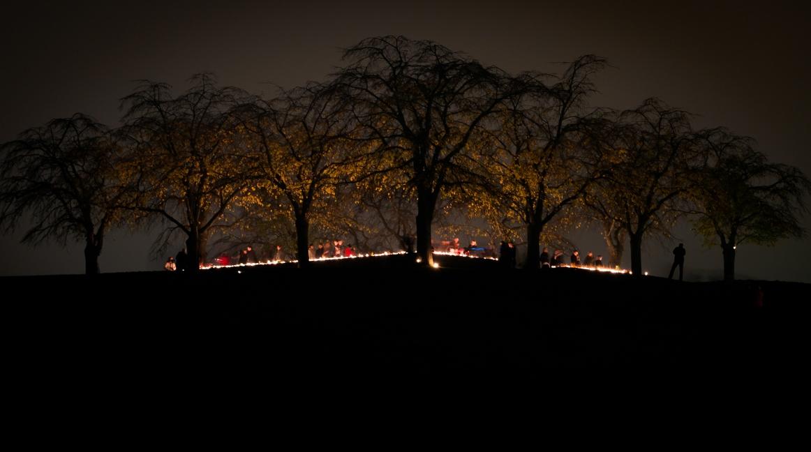 Almhöjden på Skogskyrkogården, allhelgona