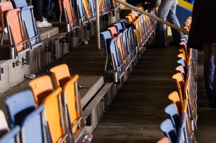 AIK-Napoli på Råsunda - Årskortare har tagit med sig sina stolar