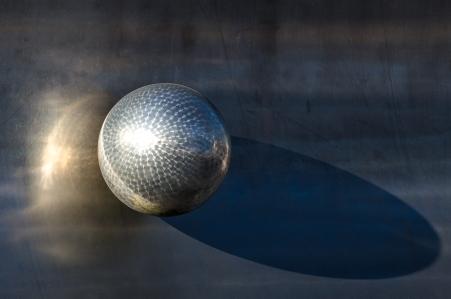 Tog en hostpromenad på tio minuter. Lade märke till den fina skylten på Gullmarsplans bowlinghall.