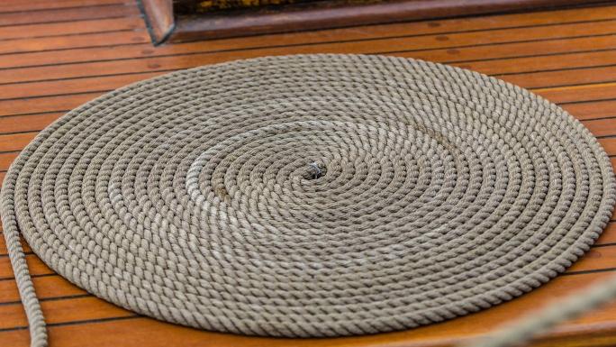 Segelbåtar är flytande zen-trädgårdar