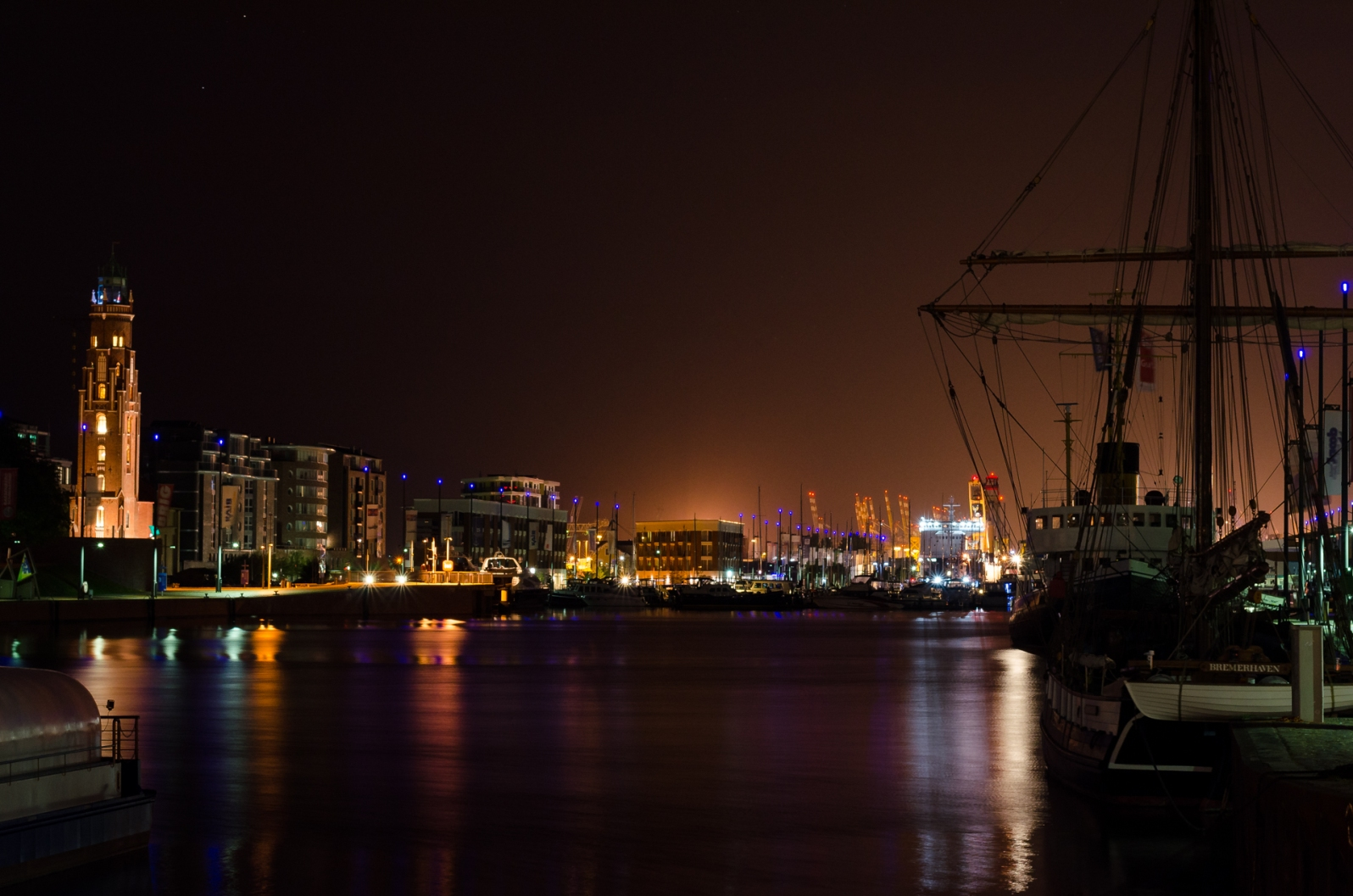 Bremerhaven by night