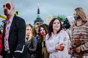 Zombie med kyrkhatt