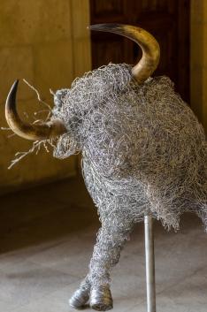 Modern ståltrådstjur