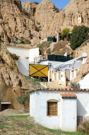 Halva Guadix bor i kalkstensgrotthus