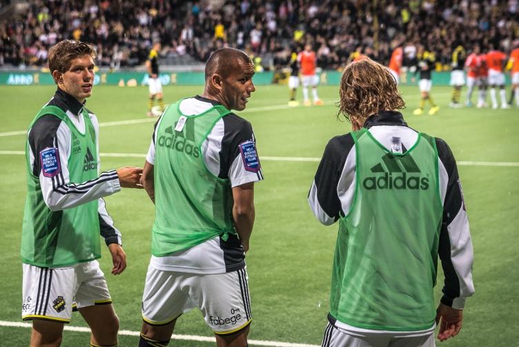 Anton, Pereira och Sam har aldrig sett nåt liknande på plan