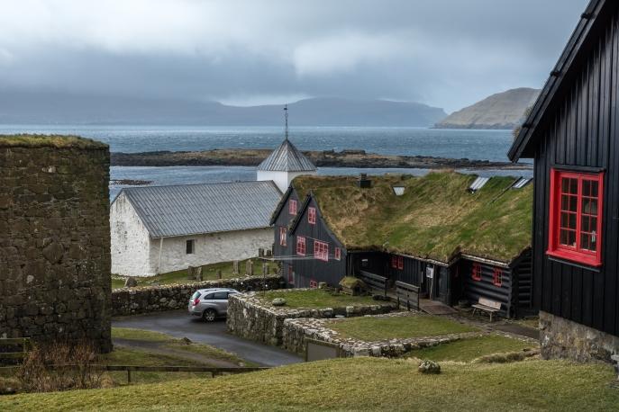 Kirkjublur, trähuset är 1100-tal