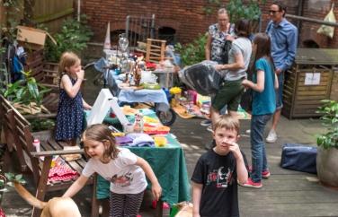 Flohmarkt-dag på alla innegårdar