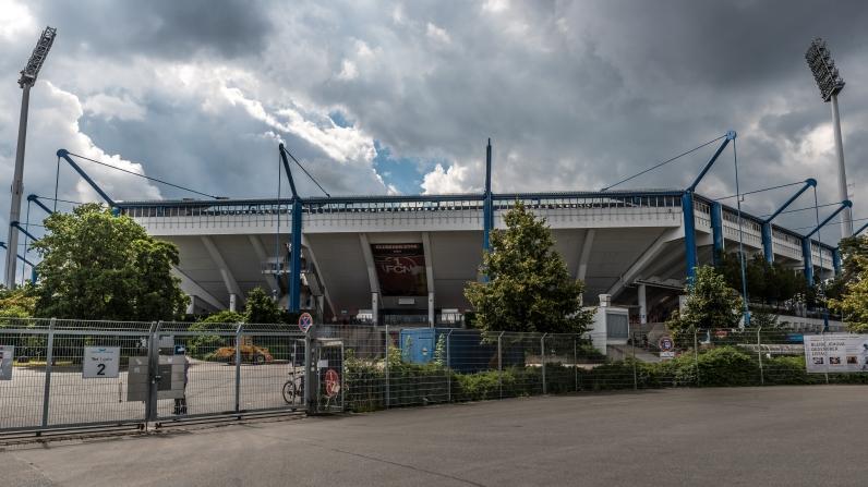 Nürnbergs stadion (obs Jehovas-reklam)