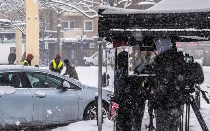 """Filmteam och """"snöskottare"""""""