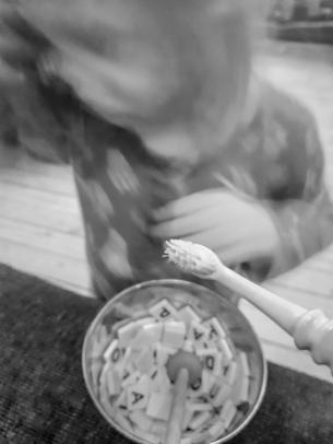 hellre bokstavssoppa än tandborstning