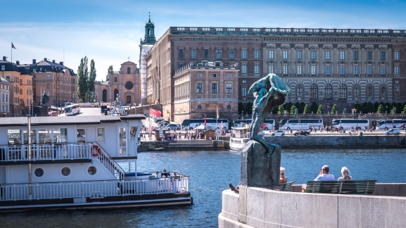 Fult slott, ful båt, ful staty, fint väder