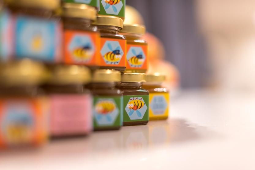 Fastighetsägaren säger hej med egen honung